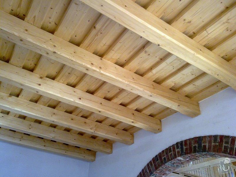 Střecha,arkýře,stropní trámy,dřevěný interier,schody: 25022011431