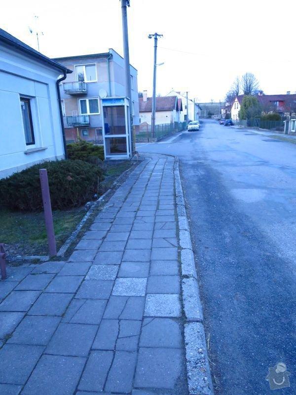 Rekonstrukce chodníku: IMG_1212