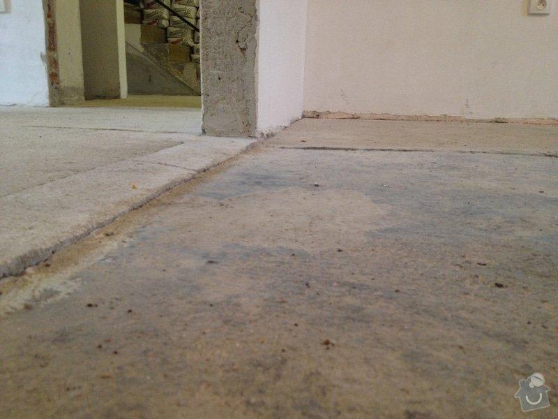 Úprava problematického betonu, vyrovnání podlahy, pokládka lepeného vinylu, obklad shodiště : IMG_3887