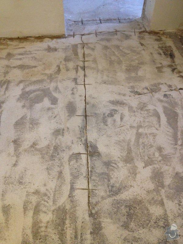 Úprava problematického betonu, vyrovnání podlahy, pokládka lepeného vinylu, obklad shodiště : IMG_3899