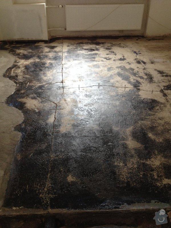 Úprava problematického betonu, vyrovnání podlahy, pokládka lepeného vinylu, obklad shodiště : IMG_3903