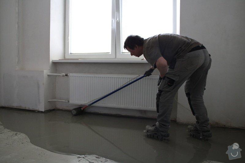 Úprava problematického betonu, vyrovnání podlahy, pokládka lepeného vinylu, obklad shodiště : IMG_3908