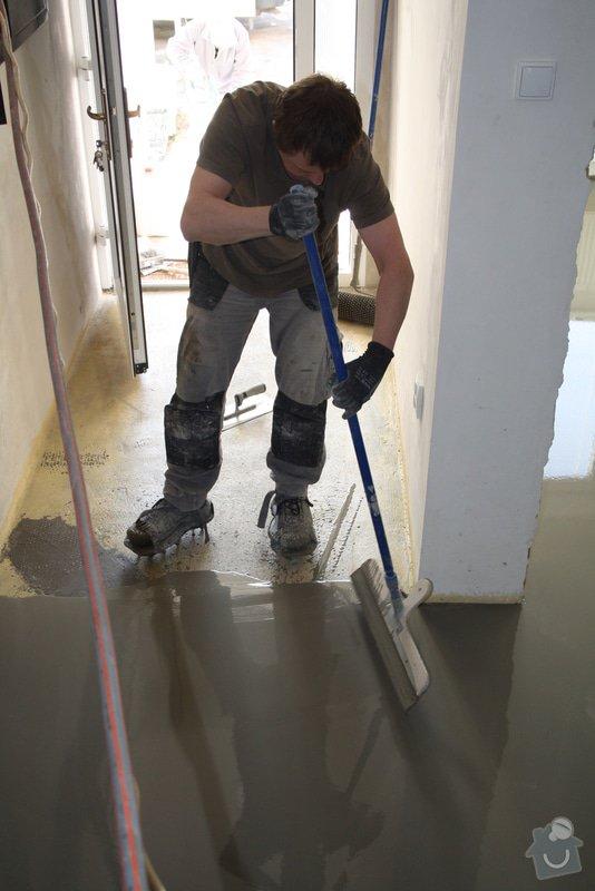 Úprava problematického betonu, vyrovnání podlahy, pokládka lepeného vinylu, obklad shodiště : IMG_3909