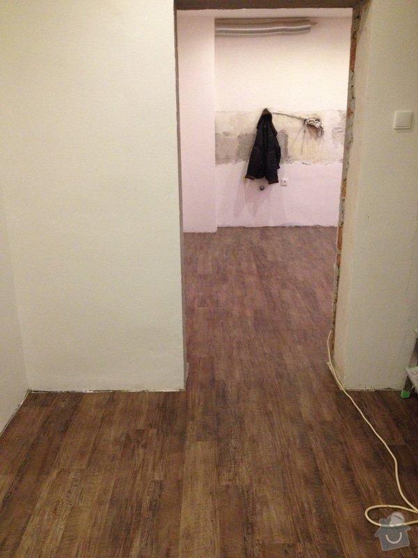 Úprava problematického betonu, vyrovnání podlahy, pokládka lepeného vinylu, obklad shodiště : IMG_4001