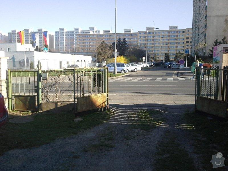 Zhotovení plotu: 20150415_174743