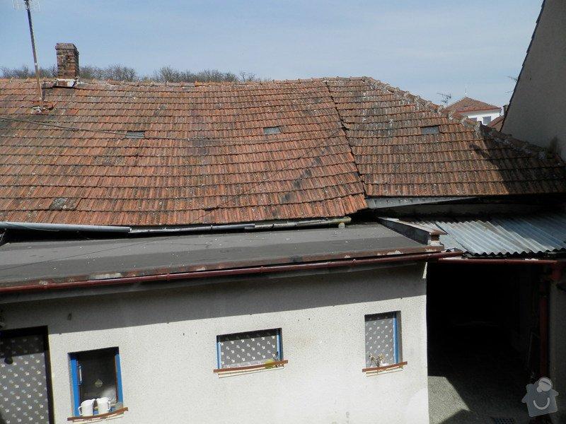 Kompletní rekonstrukce střechy - krytina, dřevěná konstrukce, oplechování: P4110141
