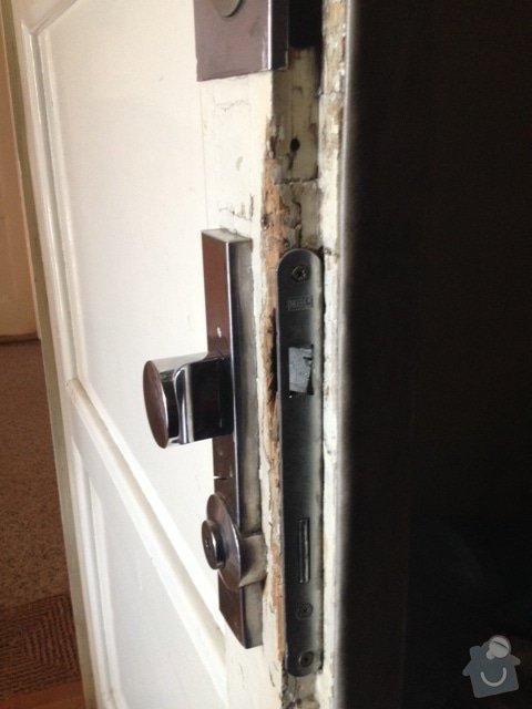 Výměna zámku a oprava dveří: IMG_0354