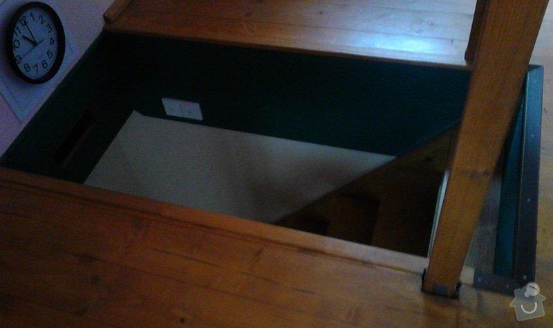 Žaluzii - kryt na vchod do podkroví: vchod_podkrovi