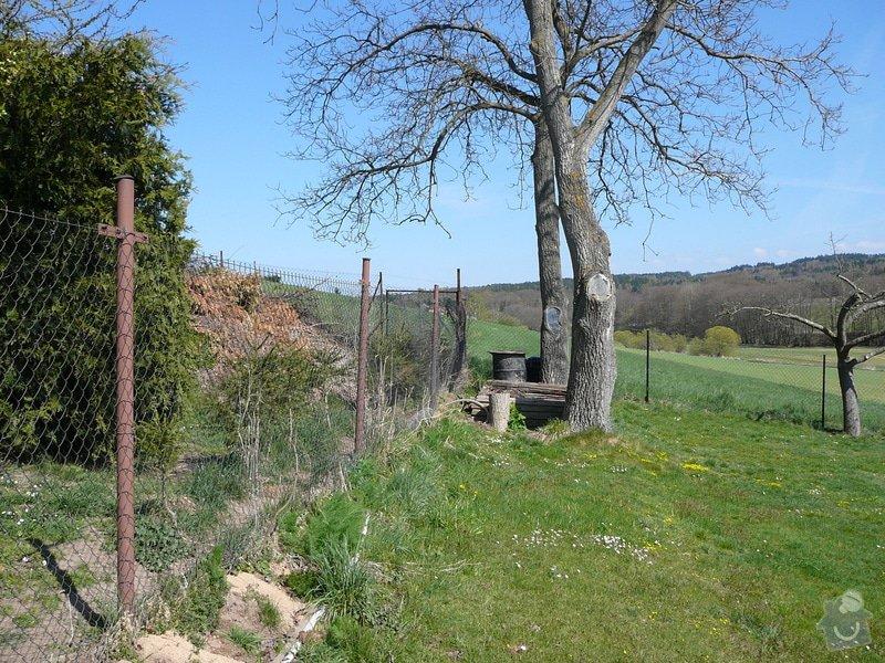 Zhotovení pevného betonového plotu: P1130107