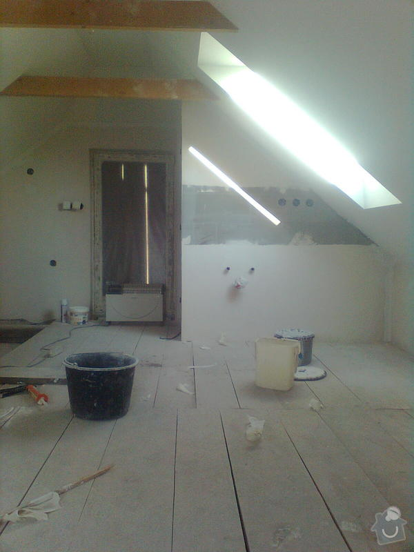 Oprava podkroví - nové schodiště, zateplení střechy, 2 střešní okna: Obraz1742