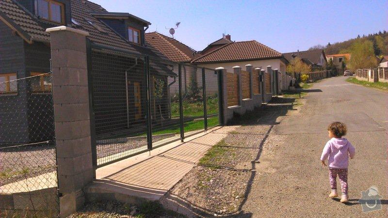 Dřevěná dvoukřídlá brána a branka: DSC_2037