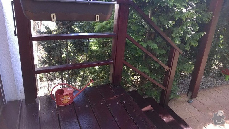 Dřevěné schody do zahrady: WP_20150419_003