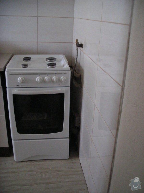 Vyříznutí otvoru pro dřez do kuchyňské linky: DSCN1618