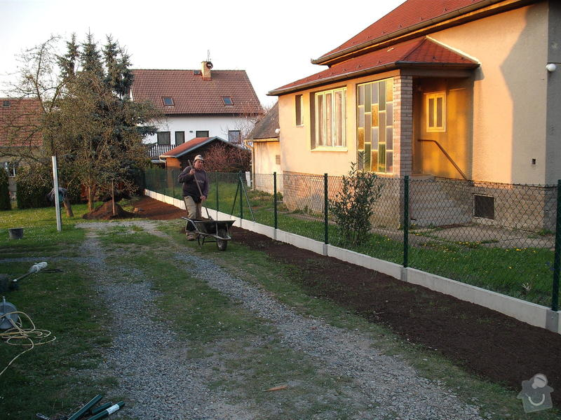Oplocení pozemku: plot1
