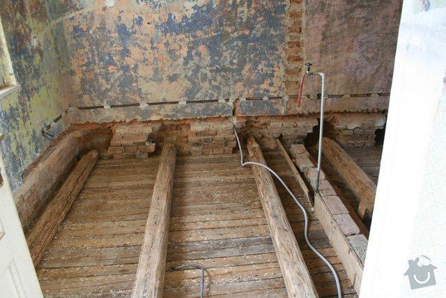 Oprava trámového stropu dřevěnými příložkami: IMG_7544