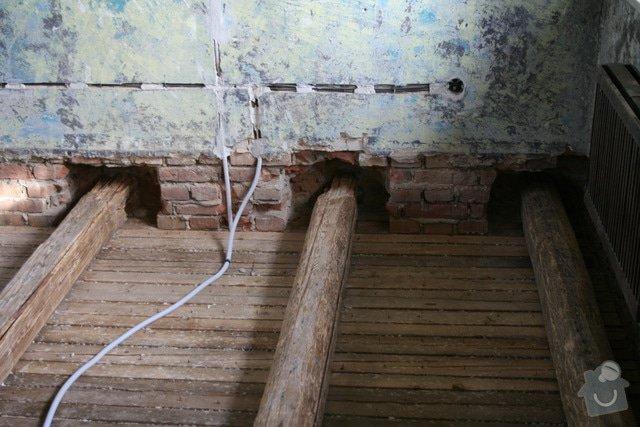 Oprava trámového stropu dřevěnými příložkami: IMG_7543