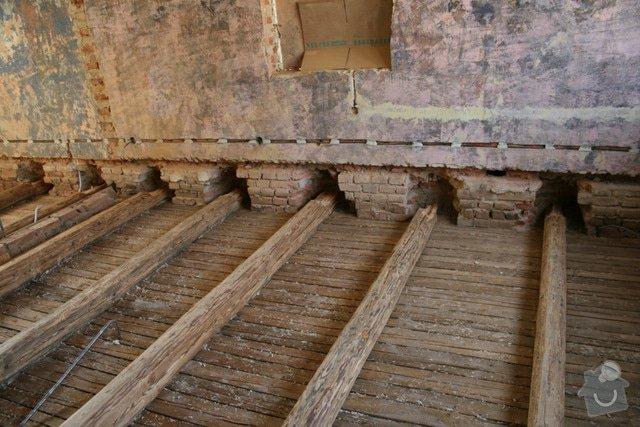 Oprava trámového stropu dřevěnými příložkami: IMG_7545