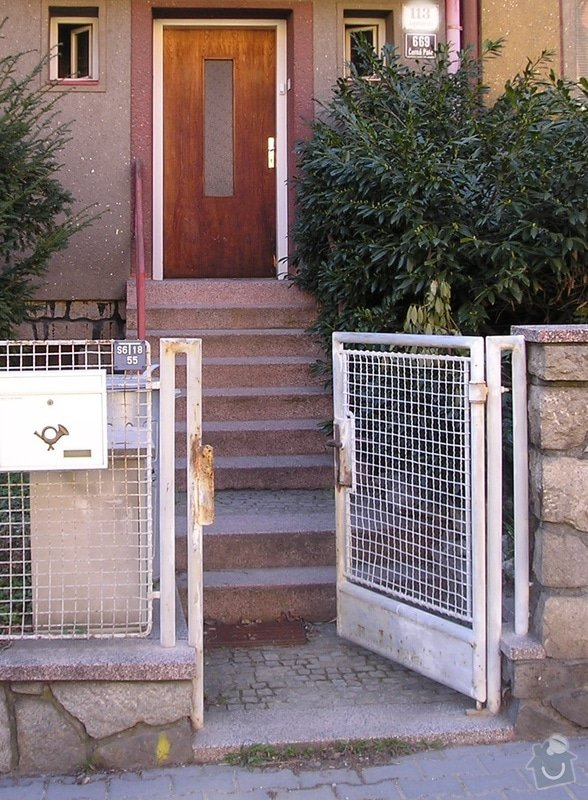 Rekonstrukce vchodových schodů do RD: P4020007a