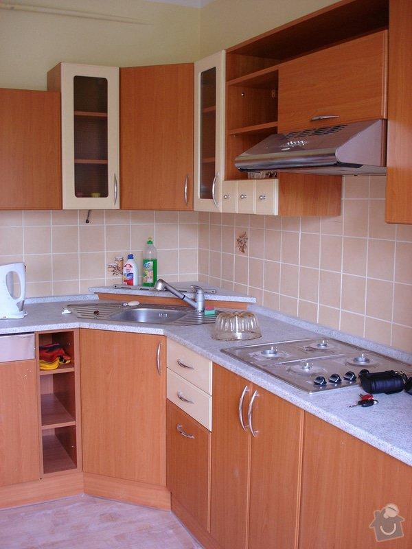 Kuchyňská skřínka místo digestoře: DSC01380