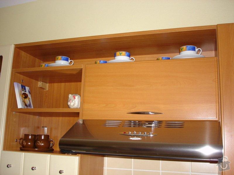 Kuchyňská skřínka místo digestoře: DSC01438