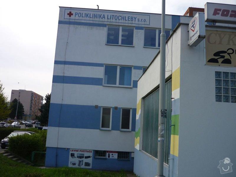Renovace nápisu na budově: Poliklinika_-_napis