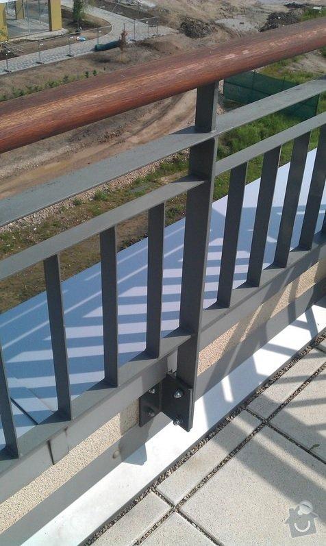 Uprava zabradli na terase proti vetru/pohledum: zabradli_5