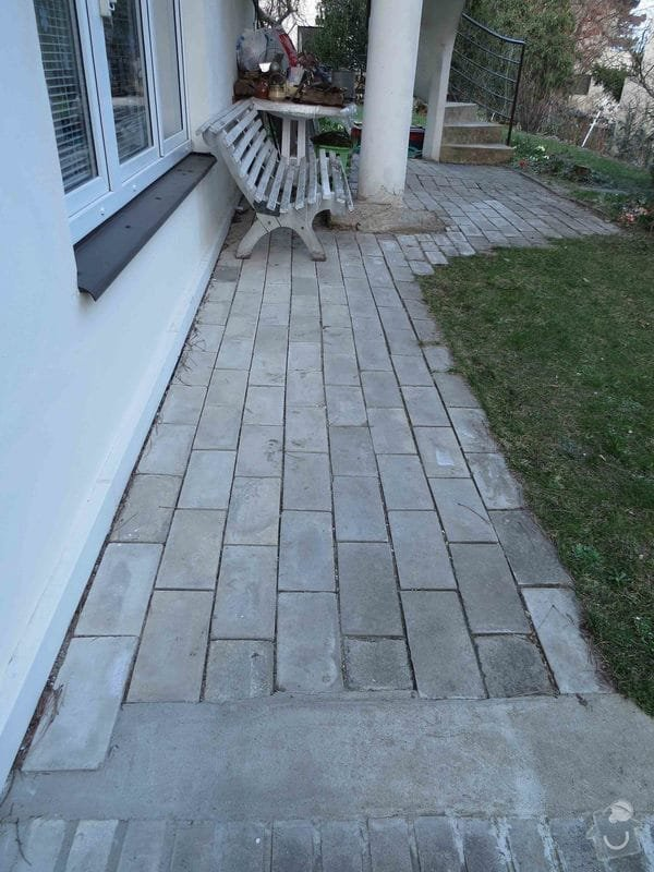 Rekonstrukce cihlové dlažby na zahradě 23 m2: IMG_5530dlazbaU