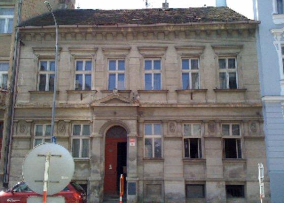 Rekonstrukce bytového domu Fráni Šrámka