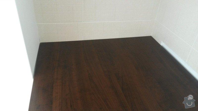 Montáž kuchyňské pracovní desky, instalace vestavné varné desky a instalace dřezu s baterií: 2_cast_prac.desky_u_sloupu