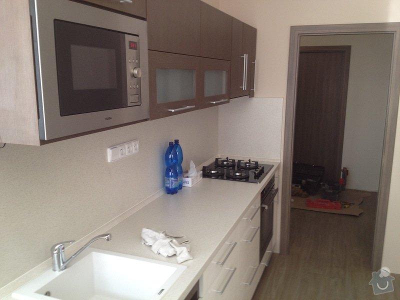 Rekonstrukce bytového jádra, stavební úpravy kuchyně, obložky: 11