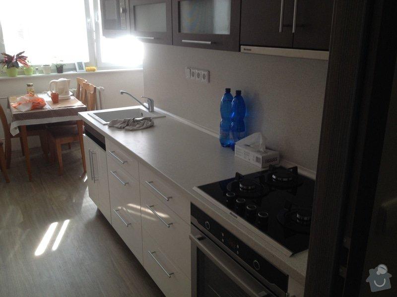 Rekonstrukce bytového jádra, stavební úpravy kuchyně, obložky: 13