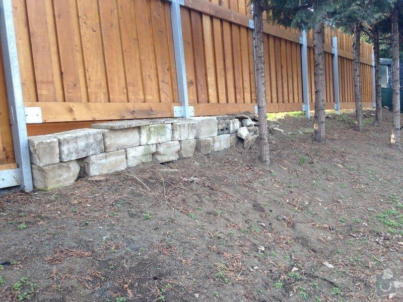 Úprava zahrady a dodělání plotu: Palisada