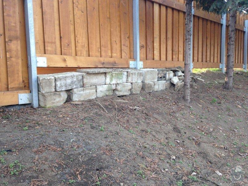Úprava zahrady a dodělání plotu: Palisada1