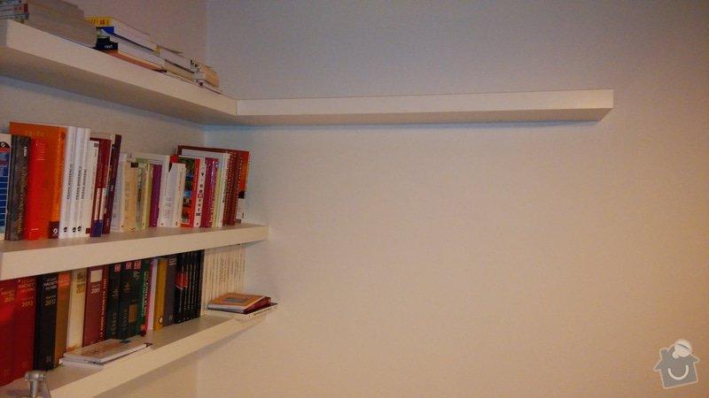 Police na knihy: momentalni_stav