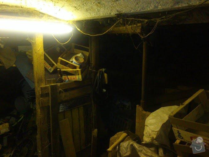 Předělání neobývané místnosti na obytnou mísrnost a koupelnu: puvodni