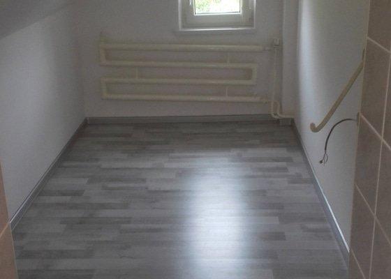 Montáž sádrokartonu a plovoucí podlahy
