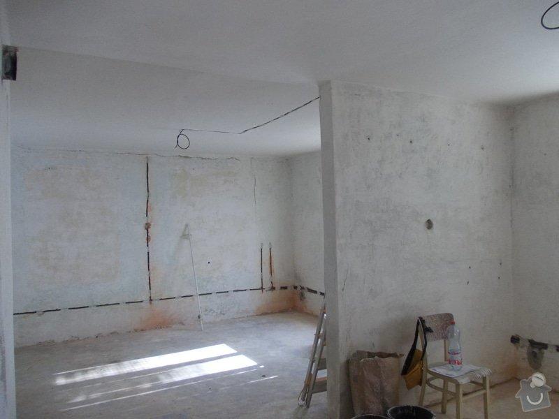 Oprava vnitřních omítek po elektrikářích: DSCN1246