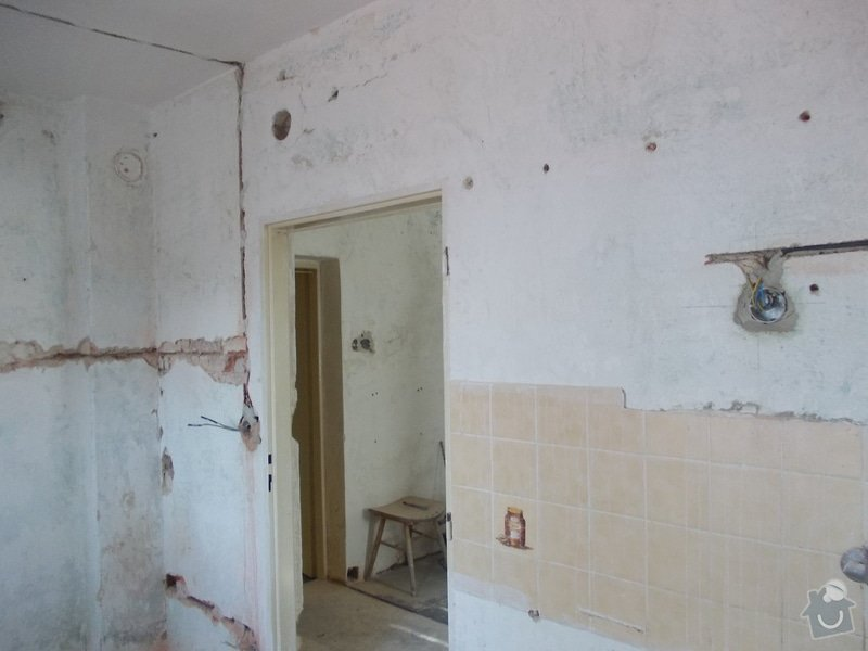 Oprava vnitřních omítek po elektrikářích: DSCN1250