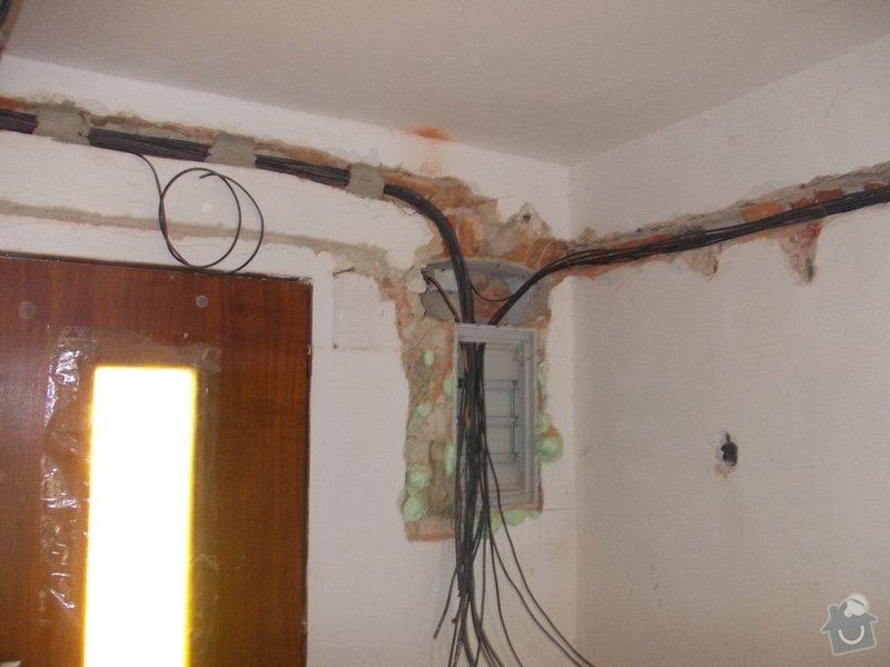 Oprava vnitřních omítek po elektrikářích: DSCN1252