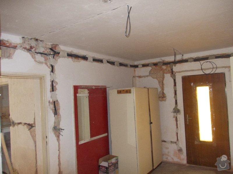 Oprava vnitřních omítek po elektrikářích: DSCN1255