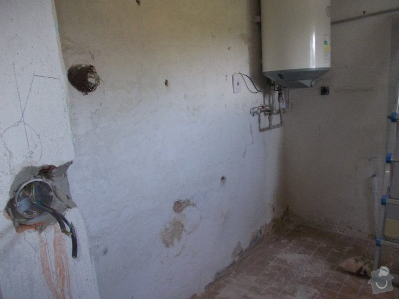 Oprava vnitřních omítek po elektrikářích: DSCN1253