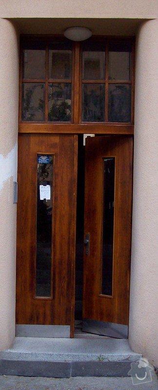 Renovace původních vchodových dveří do bytového domu: 002