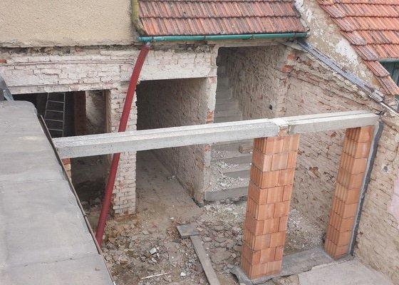Tesařské práce,zhotovení střechy 10m.
