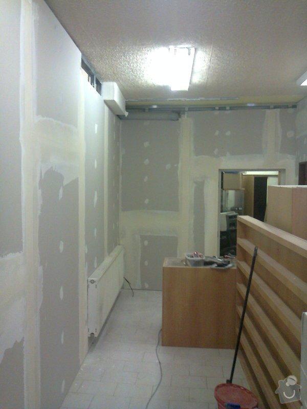 Sádrokartonová předstěna a strop pro obchod: Fotografie0257