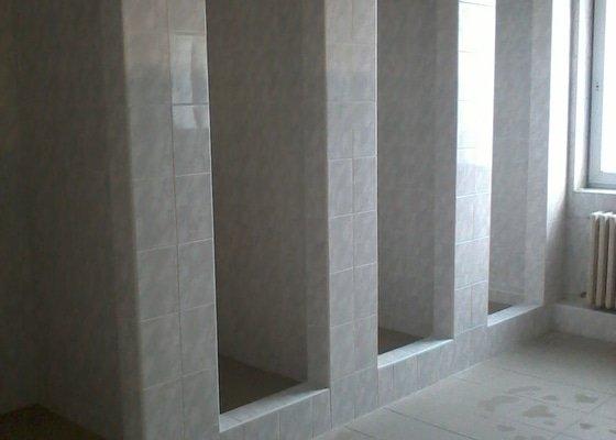 Rekonstrukce firemní koupelny a sprchových boxů