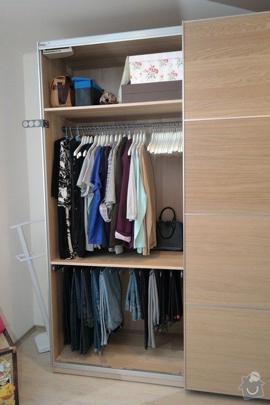 Potřebuji rozmontovat 2 skříně s pojezdy z IKEA: SAM_0359