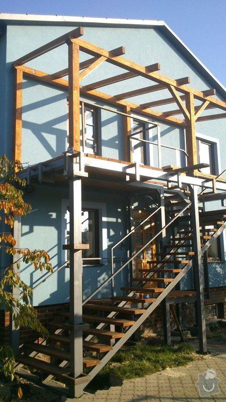 Dřevěné zábradlí na venkovní schodiště: DSC_2216
