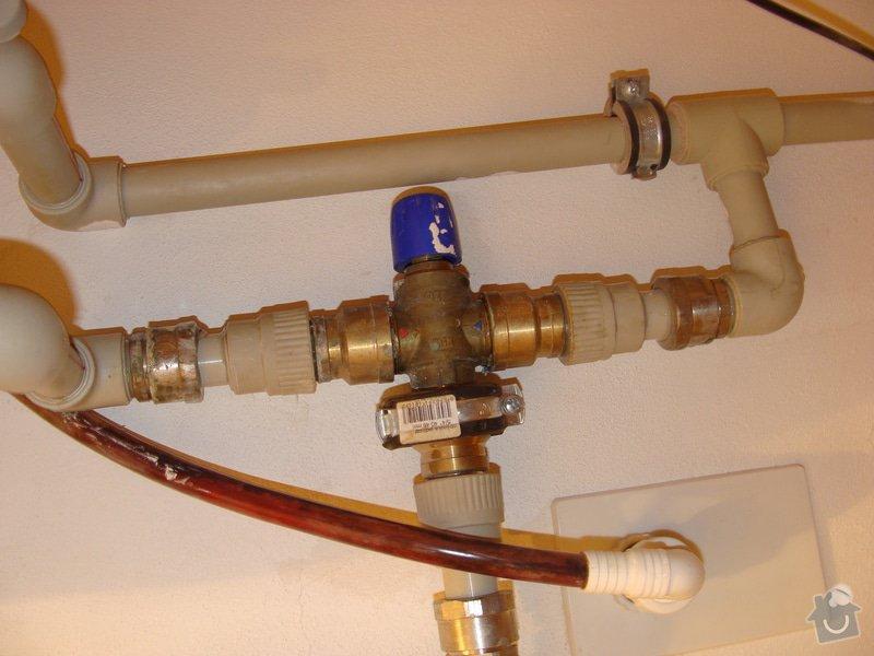 Výměna netěsnícího ventilu a oprava těsnění fitinky: DSC05151