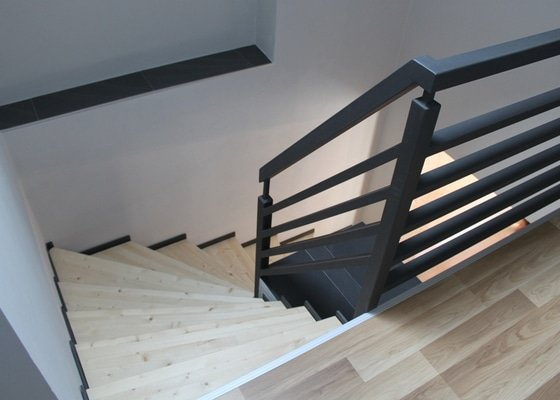 Výroba a montáž konstrukce schodiště