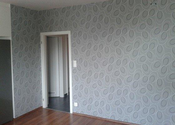 Nalepenie vliesovych tapiet, jedna stena, priblizne 10m2